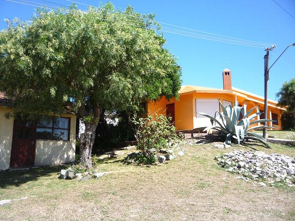 Casa M17, casa y apartamento en Costa Azul a 300 metrso del mar.