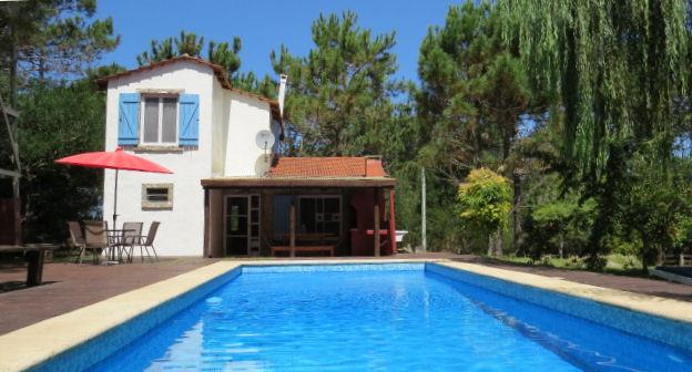 Casa amplia con muy linda piscina en Oceanía del Polonio a 200 mts de la playa.