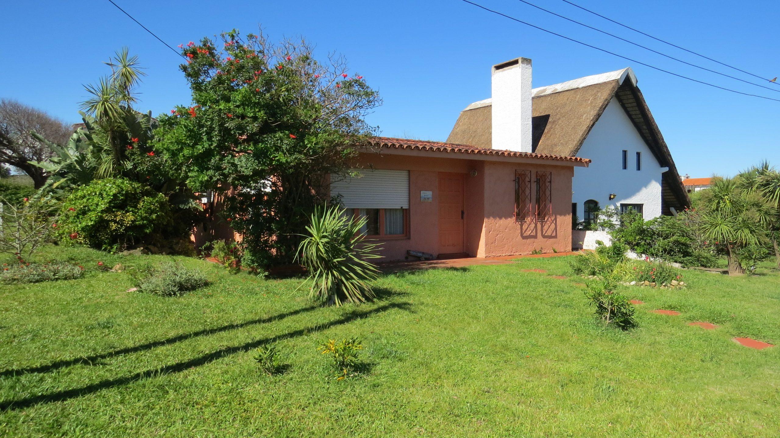 Dos casas de dos dormitorios a 70 mts de la Playa de La Aguada.